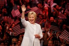 Democratic U.S. presidential candidate Hillary Clinton waves as she arrives to speak during her California primary night rally held in the Brooklyn borough of New York, U.S., June 7, 2016. REUTERS/Lucas Jackson     TPX IMAGES OF THE DAY      - RTSGHHP
